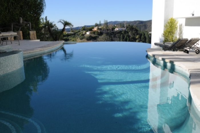 zero edge pool designed by coastal aquatic creations at encino