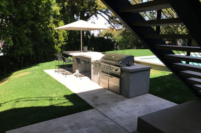 outdoor cookhouse designed by coastal aquatic creations at encino